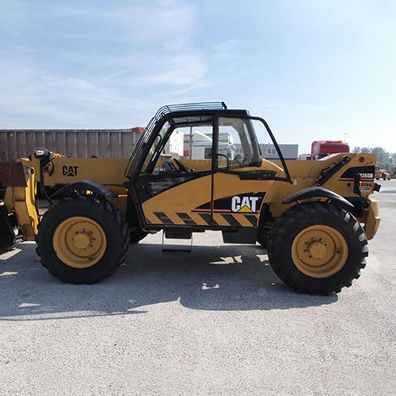 caterpillar-th360b-foto-1